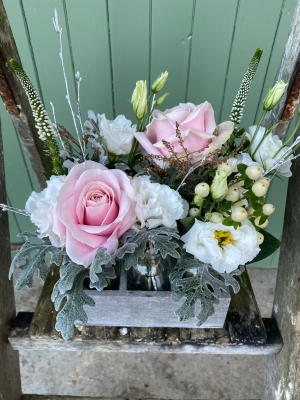 Winter Pinks Vase Rack